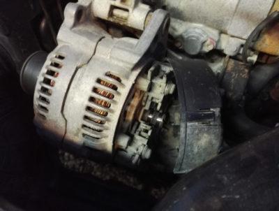 как поменять щетки на генераторе приора
