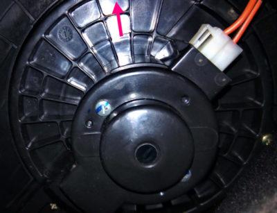 как снять моторчик печки ваз 2114