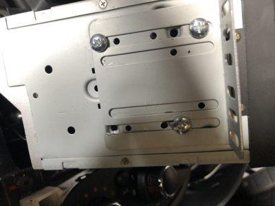 как снять магнитолу рено дастер