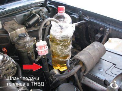 что залить в двигатель чтобы не дымил