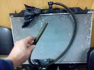 течет радиатор ваз 2114