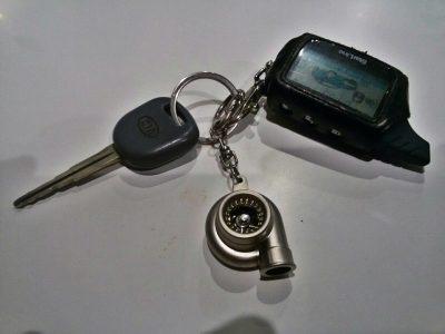 как поменять батарейку в ключе киа