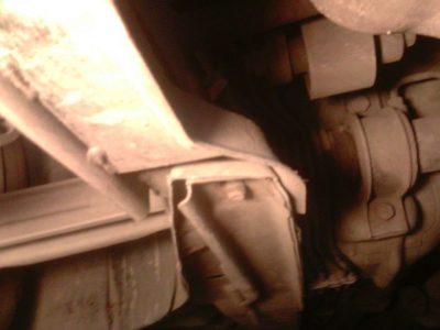 рено логан стук при повороте