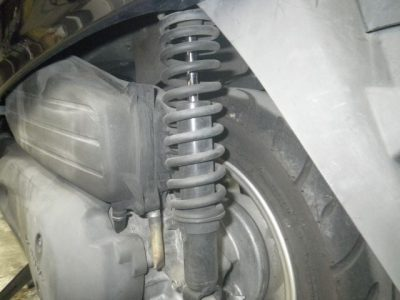 замена задних амортизаторов рено дастер 4х4