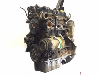 где на двигателе находится номер