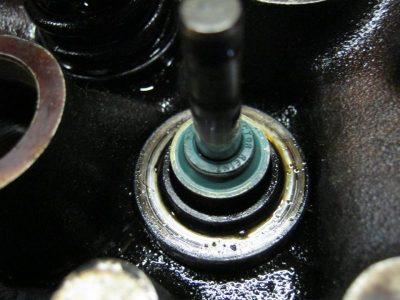 замена маслосъемных колпачков на ваз 2114