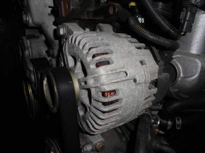 снять генератор пежо 307