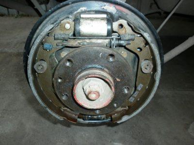 как снять тормозной барабан рено дастер