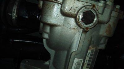 как устранить течь масла из двигателя