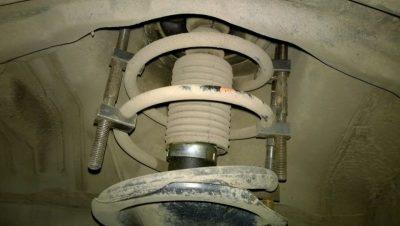 ваз 2107 замена передних амортизаторов