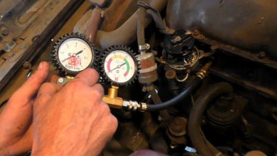 сколько должно быть давление масла в двигателе