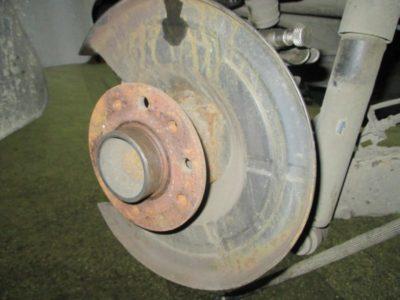 замена задних тормозных колодок ситроен с4