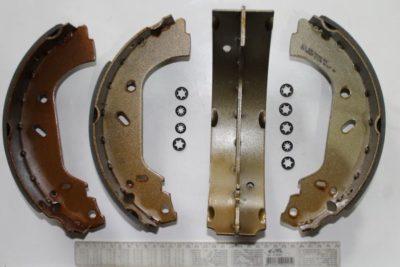 замена задних тормозных колодок мазда 6